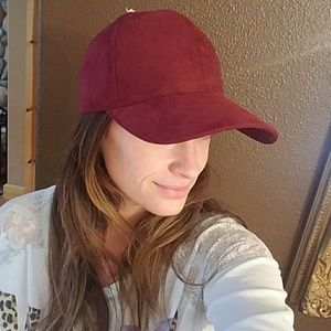 Wine red maroon plum suede hat NWT